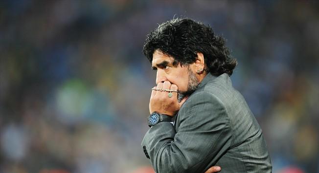 http://amirmehrani.persiangig.com/image/maradona.jpg